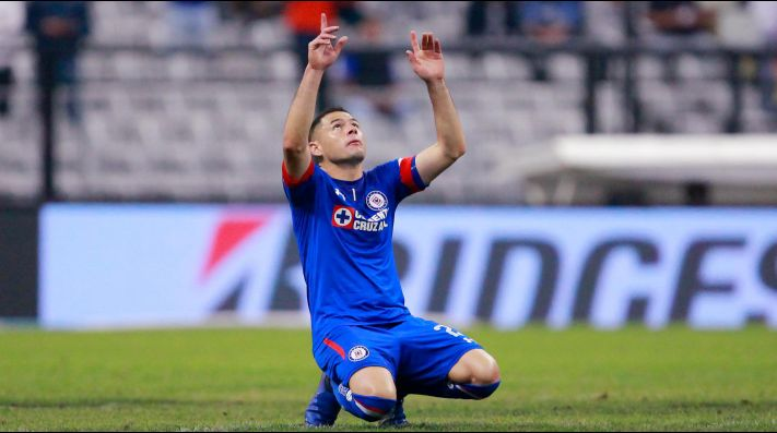 b2a3a254deb Sólido en la defensa de Cruz Azul  Pablo Aguilar llegó a su partido ...