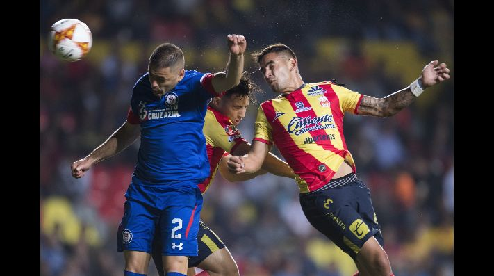 _PART_LIGA_MX_MOR_CAZUL_ - Foto del partido Morelia vs Cruz Azul correspondiente a la jornada 17 del torneo Apertura 2018 de la Liga MX BBVA Bancomer celebrado en el estadio Morelos.EN LA FOTO:Photo of the match Morelia vs Cruz Azul corresponding to the 17th day of the 2018 Apertura tournament of the Liga MX BBVA Bancomer held at the Morelos stadium.IN THE PHOTO: