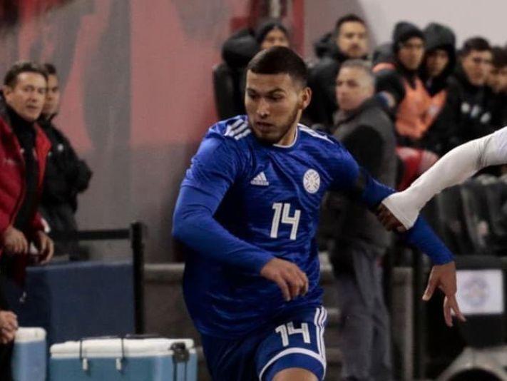 87aeab097 Juan Escobar ya sabe cuándo viajará a México para firmar con Cruz Azul.  Mercado