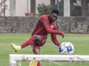 Jonathan Borja en un entrenamiento con Cruz Azul