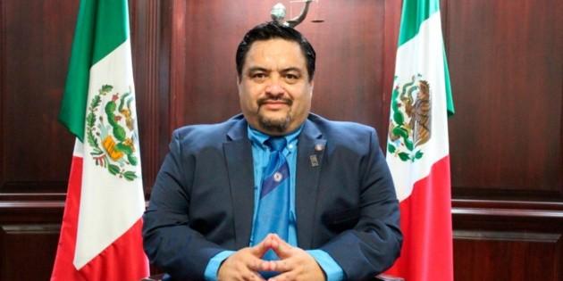 Qué elegancia: José Ángel Yuen, el ministro que se volvió viral por su corbata de Cruz Azul